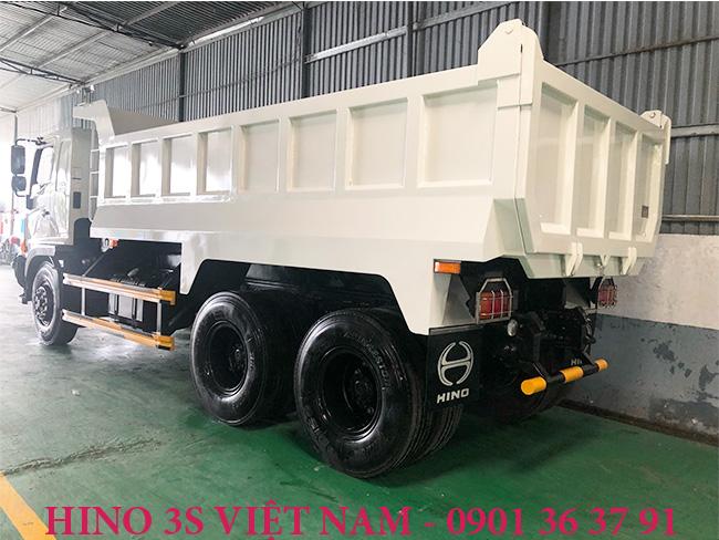 Thung-ben-15-t-xe-tai-Hino-15-tan-FM8JN7A-Euro-4-i