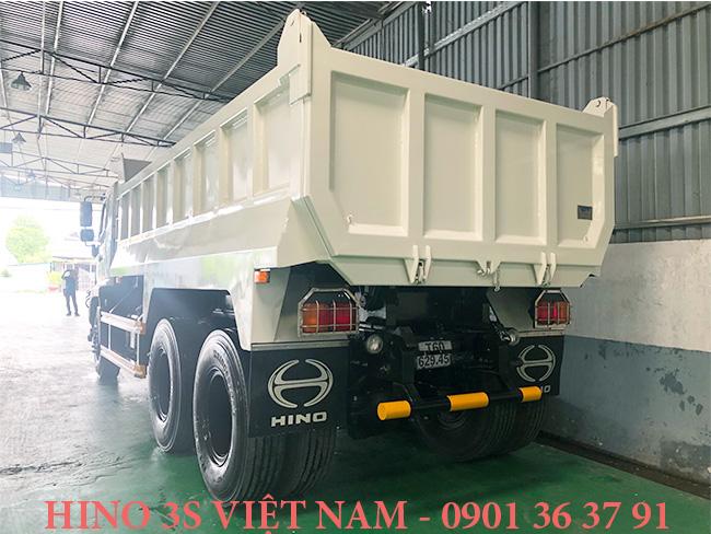 Thung-ben-15-t-xe-tai-Hino-15-tan-FM8JN7A-Euro-4-j