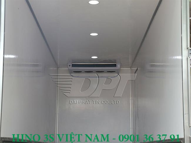 Thung-dong-lanh-xe-8-tan-Hino-Euro-4-b
